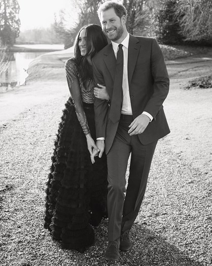 Noiva do príncipe Harry é batizada em cerimônia secreta