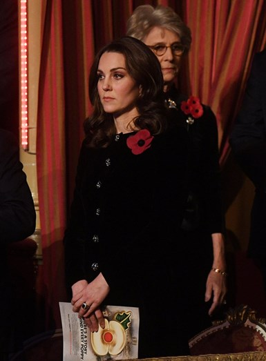 Família real assiste a Royal Festival of Remembrance no Royal Albert Hall, em Londres