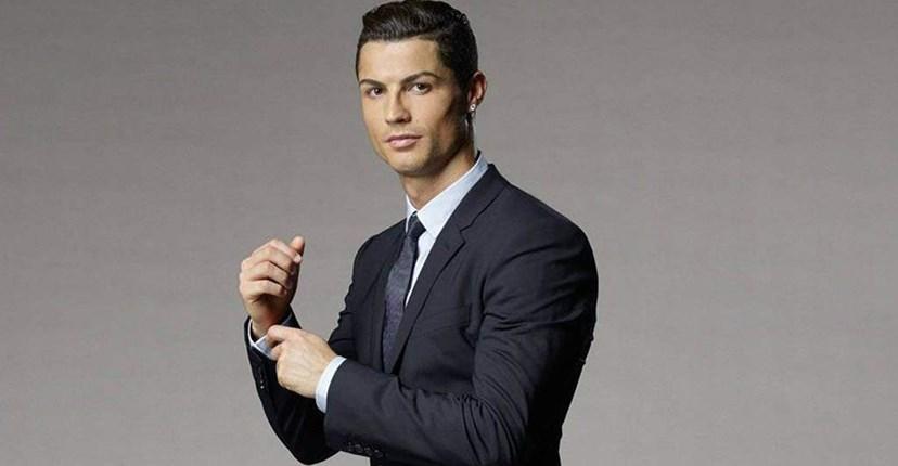 dd8ce99523 Cristiano Ronaldo vai abrir hotel em Paris por... 60 milhões de euros!