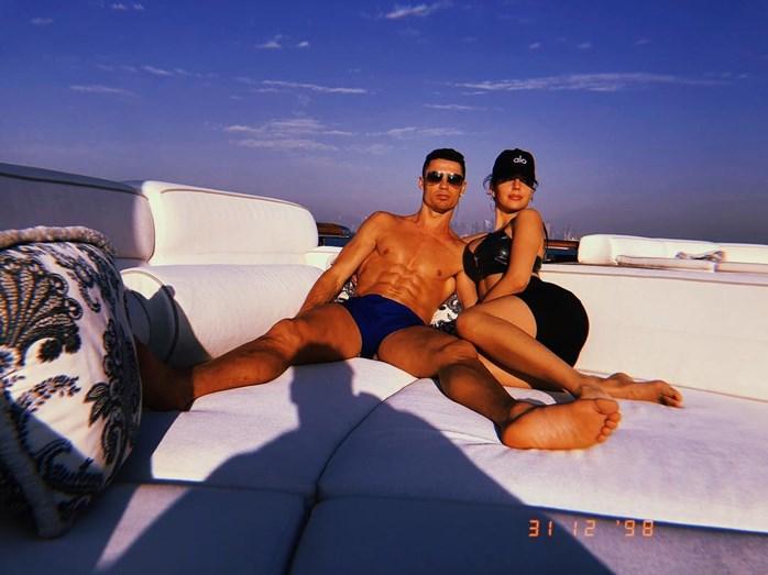 3ef10c108f5 Cristiano Ronaldo e amigos aproveitam hospitalidade de milionário do Dubai