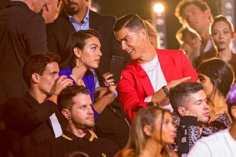 "Noite bem regada! Cristiano Ronaldo e Georgina divertem-se à ""Hollywood"""