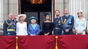 Kate, William, Camila, Carlos, Meghan, Harry e a rainha Isabel II
